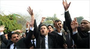 Lawyers rally for confessed killer Mumtaz Qadri