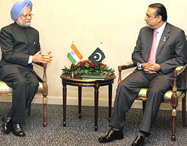 Indian PM Manmohan Singh and President Asif Zardari