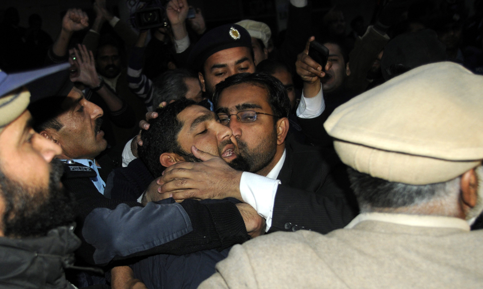 Lawyer kissing Mumtaz Qadri