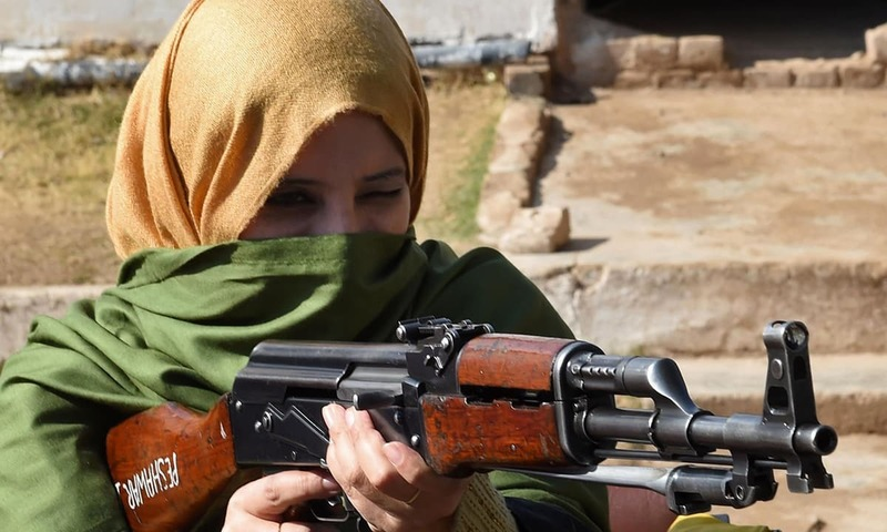 Pakistani teachers told to defend themselves from militants